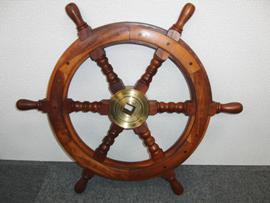 船の舵 アンティークな船の舵